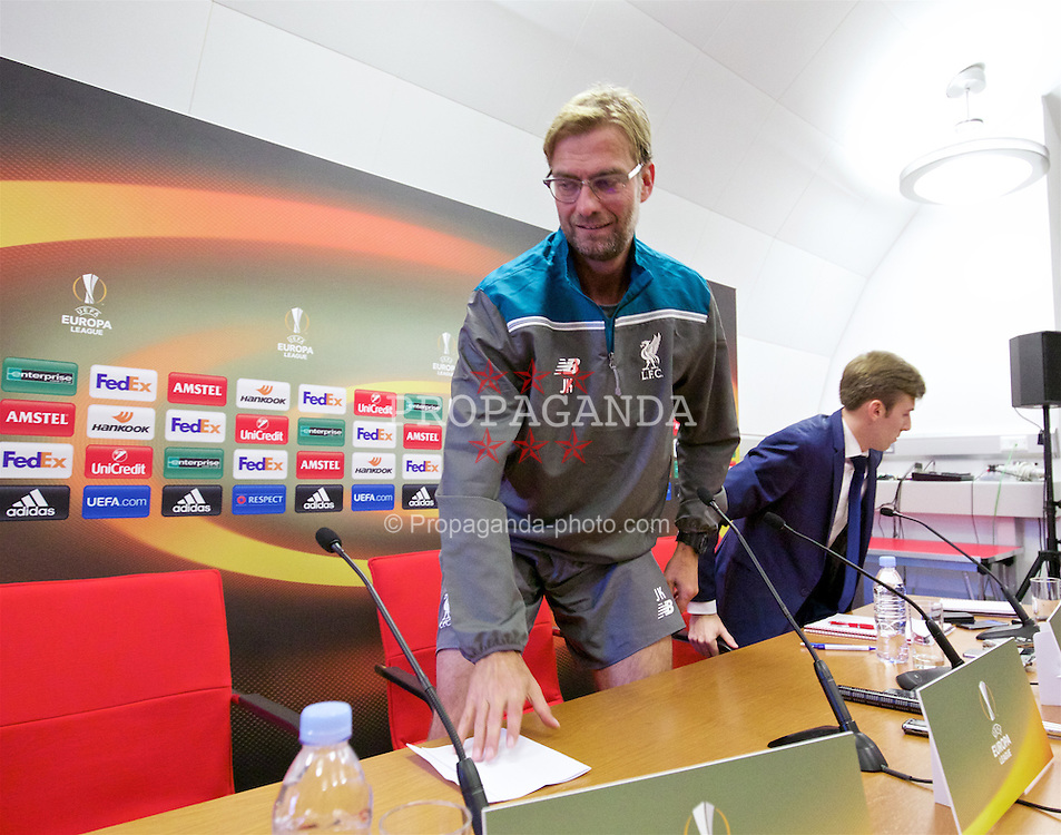 LIVERPOOL, ENGLAND - Wednesday, October 21, 2015: Liverpool's manager Jürgen Klopp, wearing shorts, during a press conference at Melwood Training Ground ahead of the UEFA Europa League Group Stage Group B match against FC Rubin Kazan. (Pic by David Rawcliffe/Propaganda)