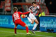 28-11-2015 VOETBAL:FC TWENTE-WILLEM II:ENSCHEDE<br /> Lucas Andersen van Willem II passeert Jeroen van der Lely van FC Twente <br /> <br /> Foto: Geert van Erven