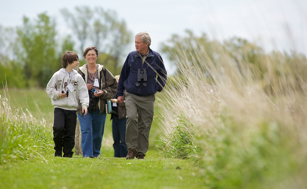 Port Rowan, Ontario ---10-05-15--- Artist and naturalist Robert Bateman leads a bird watching group at the Bird Studies Canada centre in Port Rowan, Ontario near Long Point as part of the centre's 50th anniversary celebrations, May 15, 2010.<br /> GEOFF ROBINS The Globe and Mail