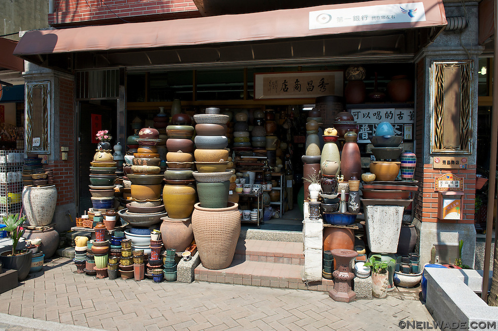 A store selling pottery on Yingge Ceramics Old Street.