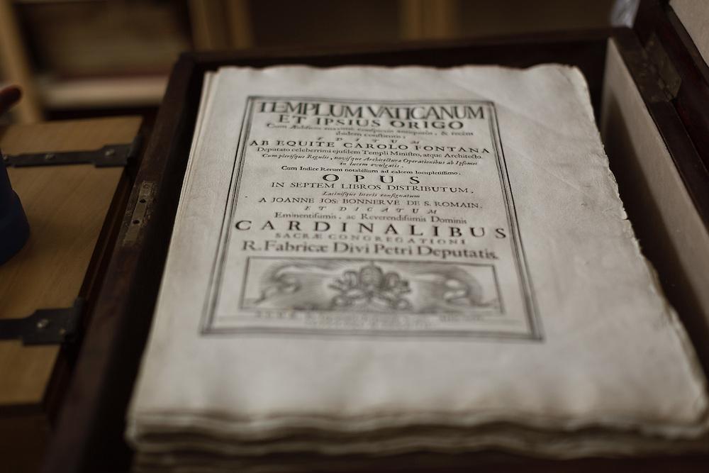 Libro uscito dalla tipografia senza rilegatura e senza battitura delle carte XVII secolo<br /> <br /> Book without binding of XVII century