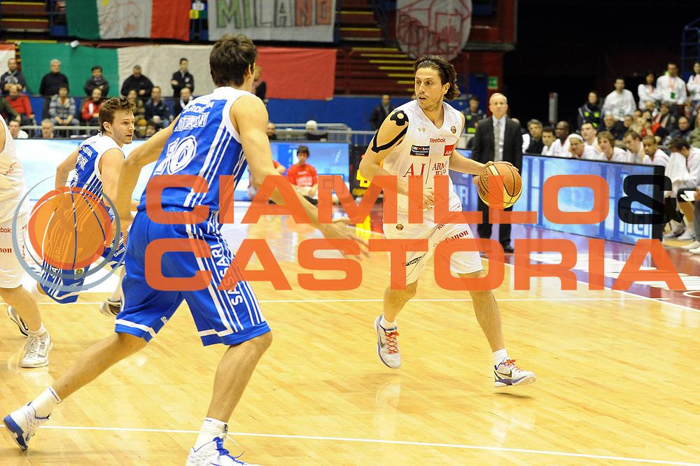 DESCRIZIONE : Milano Lega A 2010-11 Armani Jeans Milano Dinamo Sassari<br /> GIOCATORE : Marco Mordente<br /> SQUADRA : Armani Jeans Milano<br /> EVENTO : Campionato Lega A 2010-2011 <br /> GARA : Armani Jeans Milano Dinamo Sassari<br /> DATA : 27/02/2011<br /> CATEGORIA : Palleggio<br /> SPORT : Pallacanestro <br /> AUTORE : Agenzia Ciamillo-Castoria/ L.Goria<br /> Galleria : Lega Basket A 2010-2011  <br /> Fotonotizia : Biella Lega A 2010-11 Armani Jeans Milano Dinamo Sassari<br /> Predefinita :
