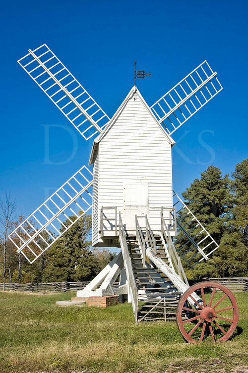 Wooden windmill and Yankee ingenuity made for this unusual windmill built in 1721 in Colonial Williamsburg, Virginia.