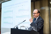 "30 JUN 2017, BERLIN/GERMANY:<br /> Ottmar Edenhofer, stellvertretender Direktor und Chefoekonom am Potsdam-Institut fuer Klimafolgenforschung und Direktor des Mercator Research Institute on Global Commons and Climate Change, MCC, Conference ""Joining Forces in Global Climate Policy - New perspectives for Chinese-German Cooperation"", European Climate Foundation, Mercator Research Institute on Global Commons and Climate Change, MCC, merics, Mercator Institute for China Studies, Berlin-Brandenburgische Akademie der Wissenschaften<br /> IMAGE: 20170630-01-085"