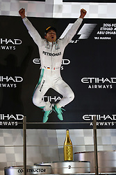 Rennen des Grand Prix von Abu Dhabi auf dem Yas Marina Circuit / 271116<br /> <br /> ***Abu Dhabi Formula One Grand Prix on November 27th, 2016 in Abu Dhabi, United Arab Emirates - Racing Day *** <br /> <br /> 2nd place and new world champion Nico Rosberg (GER) Mercedes AMG Petronas F1 W07.<br /> 27.11.2016. Formula 1 World Championship, Rd 21, Abu Dhabi Grand Prix, Yas Marina Circuit, Abu Dhabi, Race Day.<br /> -