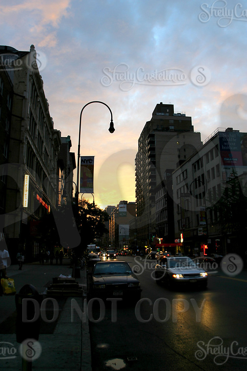 Aug 16, 2002; New York, NY, USA; The sun sets over Manhattan off west 14th where the first barracades started at almost year ago after the attacks on in downtown.  Mandatory Credit: Photo by Shelly Castellano/ZUMA Press. (©) Copyright 2002 by Shelly Castellano