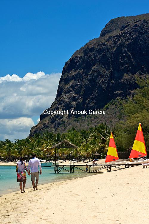 Saint Regis Mauritius Resort | Saint Regis Mauritius Resort. Plage et Morne  Barbant
