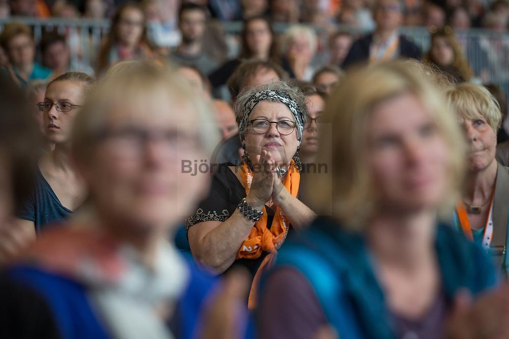 Berlin, Germany - 25.05.2017<br /> <br /> Visitors of the German Protestant Church Assembly (&quot;Deutscher Evangelischer Kirchentag&rdquo;) in Berlin. <br /> <br /> Besucher des Deutschen Evangelischen Kirchentag 2017 in Berlin. <br /> <br /> Photo: Bjoern Kietzmann