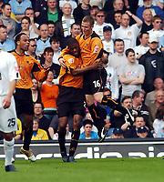 Fotball<br /> Championship 2004/05<br /> Leeds v Wolves<br /> 2. april 2005<br /> Foto: Digitalsport<br /> NORWAY ONLY<br /> Carl Cort Wolves celebrates scoring 1st goal with team mate Mark Kennedy