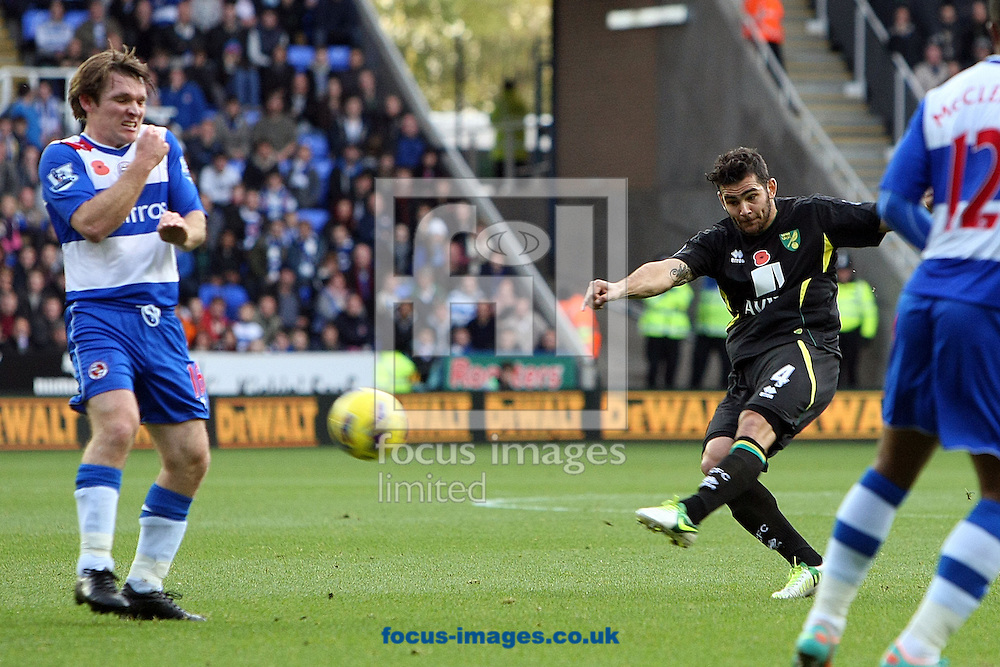 Picture by Paul Chesterton/Focus Images Ltd +44 7904 640267.10/11/2012.Bradley Johnson of Norwich has a rare shot on goal during the Barclays Premier League match at the Madejski Stadium, Reading.
