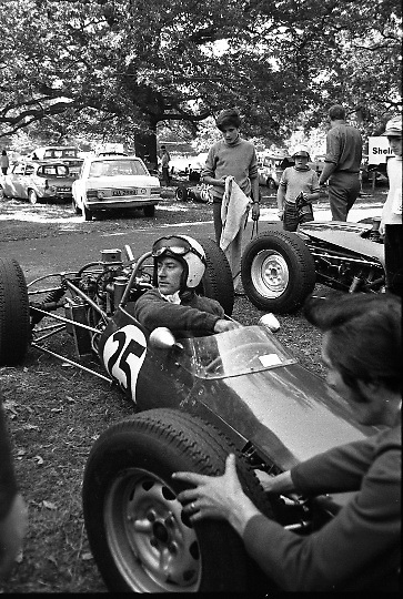 Motor Racing in Phoenix Park. Motor racing first took place in the Phoenix Park in 1903 when the Irish Gordon Bennett Race Speed Trials were held on the main straight for both cars and Motorcycles. Over the years seven different circuits have been used, two of which are named after the famous Ferrari & World Champion racing driver Mike Hawthorn..14.09.1969