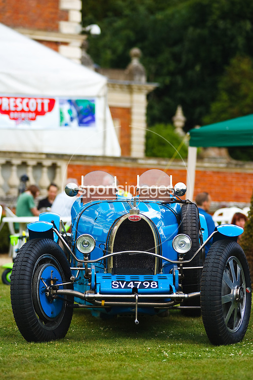 Old Bugatti at Gloucester Motorshow (13/06/10)