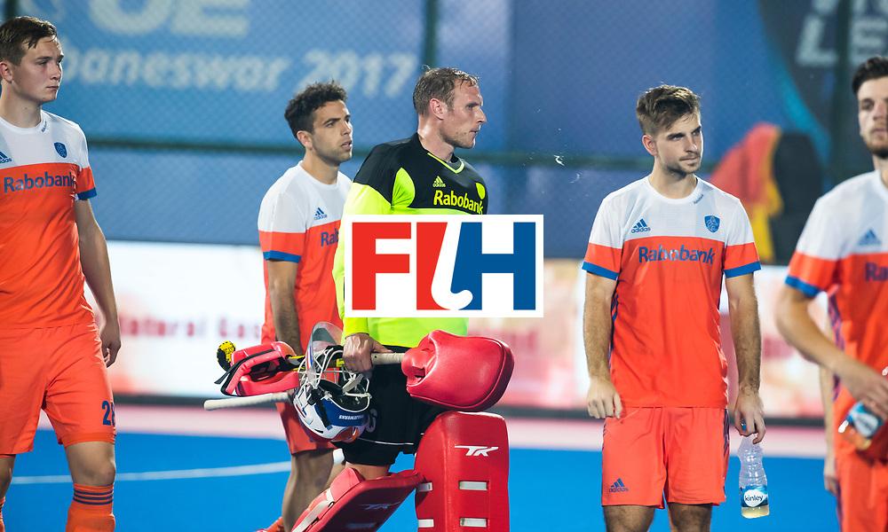 BHUBANESWAR -  Teleurstelling keeper Pirmin Blaak (Ned) , Floris Wortelboer (Ned) , Valentin Verga (Ned) en Tristan Algera (Ned) na de Hockey World League Finals , de kwartfinale wedstrijd Duitsland-Nederland (3-3).Duitsland wint na shoot-outs.   COPYRIGHT KOEN SUYK