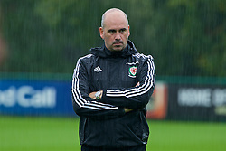 CARDIFF, WALES - Saturday, September 3, 2016: Wales' performance psychologist Ian Mitchall during a training session at the Vale Resort ahead of the 2018 FIFA World Cup Qualifying Group D match against Moldova. (Pic by David Rawcliffe/Propaganda)