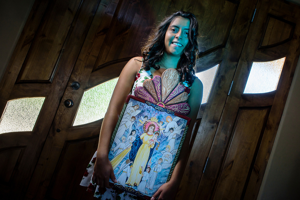 rer060817bb/Life/June 08, 2017/Albuquerque Journal<br /> Skyler Valdez(Cq)is an 18 year-old Retablo artist who will be in this year's Spanish Market.  Here she holds her piece titled &quot; Reina del Cielo.&quot;  <br /> Albuquerque, New Mexico Roberto E. Rosales/Albuquerque Journal