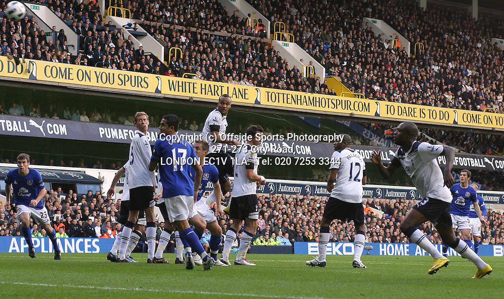23/10/2010 Premier League football. Tottenham Hotspur v Everton.<br /> Leighton Baines curls a free kick into the net for the Everton goal.<br /> Photo: Mark Leech.