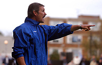 Photo: Alan Crowhurst.<br />Welling United v Clevedon Town. The FA Cup Qualifying. 28/10/2006. Clevedon manager Phil Bater.