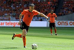 05-06-2010 VOETBAL: NEDERLAND - HONGARIJE: AMSTERDAM<br /> Nederland wint met 6-1 van Hongarije / Mark van Bommel scoort de 4-1<br /> ©2010-WWW.FOTOHOOGENDOORN.NL