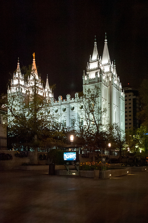 A night shot of Salt Lake Temple at Temple Square in Salt Lake City, Utah