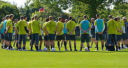 06.07.2010,Platz 05, Bremen, GER, 1. FBL, Training Werder Bremen , im Bild  Mannschaftsbesprechung mit Thomas Schaaf ( Werder  - Trainer  COACH) unter der Deutschland Fahne   EXPA Pictures © 2010, PhotoCredit: EXPA/ nph/  Kokenge / SPORTIDA PHOTO AGENCY