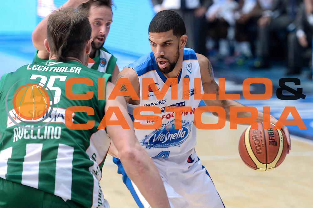 DESCRIZIONE : Cant&ugrave; Lega A 2014-15 Acqua Vitasnella Cant&ugrave; vs Sidiga Avellino<br /> GIOCATORE : James Feldeine<br /> CATEGORIA : Palleggio<br /> SQUADRA : Acqua Vitasnella Cant&ugrave;<br /> EVENTO : Campionato Lega A 2014-2015<br /> GARA : Acqua Vitasnella Cant&ugrave; vs Sidigas Avellino<br /> DATA : 19/10/2014<br /> SPORT : Pallacanestro <br /> AUTORE : Agenzia Ciamillo-Castoria/I.Mancini<br /> Galleria : Lega Basket A 2014-2015<br /> Fotonotizia : Cant&ugrave; Lega A 2014-2015 Acqua Vitasnella Cant&ugrave; vs Sidigas Avellino<br /> Predefinita :