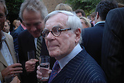 Henry Porter and Dominick Dunne Spectator party. Doughty St. London. 28 July 2005. ONE TIME USE ONLY - DO NOT ARCHIVE  © Copyright Photograph by Dafydd Jones 66 Stockwell Park Rd. London SW9 0DA Tel 020 7733 0108 www.dafjones.com
