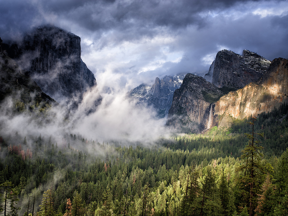 Yosemite, Ca - 2015: Yosemite Valley, 2015. Tunnel View.