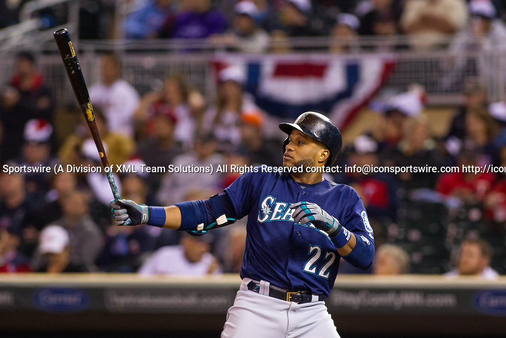 23 SEP 2016: Seattle Mariners second baseman Robinson Cano (22) at bat during the American League matchup between the Seattle Mariners and the Minnesota Twins at Target Field. The Seattle Mariners won 10-1 against the Minnesota Twins in Minneapolis, Minnesota. (Photo by: David Berding/Icon Sportswire)