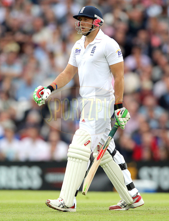 © Andrew Fosker / Seconds Left Images 2012 - England's Tim Bresnan  leaves the field after the losing his wicket for 8  England v South Africa - 1st Investec Test Match -  Day 2 - The Oval  - London - 20/07/2012