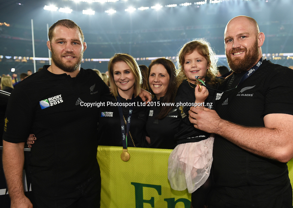 Owen and Ben Franks with family after winning the Rugby World Cup Final. New Zealand All Blacks v Australia Wallabies, Twickenham Stadium, London, England. Saturday 31 October 2015. Copyright Photo: Andrew Cornaga / www.Photosport.nz