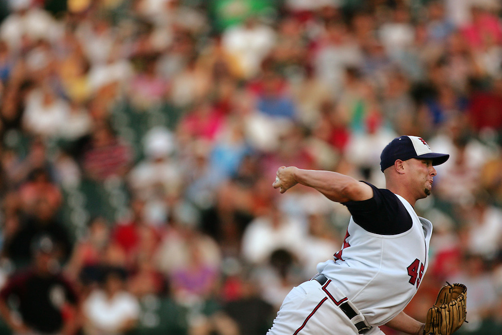 Xavier Mascareñas/Austin American Statesman; The Round Rock Express took on the Oklahoma RedHawks on July 11, 2008, at Dell Diamond. Express pitcher Ron Chiavacci throws during the fifth inning.