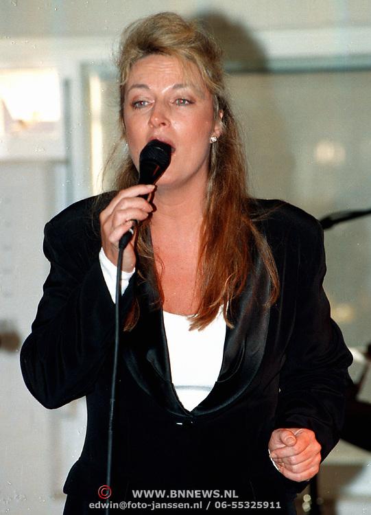 Rabobank Huizen na renovatie weer geopend optreden Lisa Boray