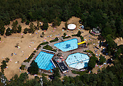 Nederland, Utrecht, Gemeente Utrechtse Heuvelrug, 08-07-2010; 'Bosbad Leersum', buitenzwembad in de bossen..Outside pool surrounded by woods..luchtfoto (toeslag), aerial photo (additional fee required).foto/photo Siebe Swart