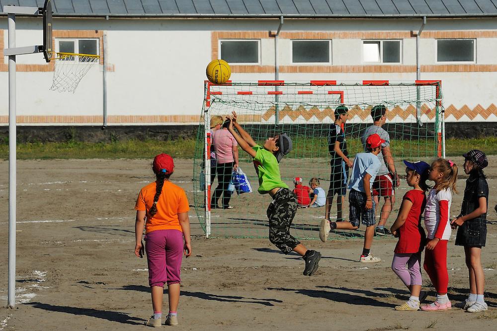 Kids in Sfinthu Gheorghe, Danube delta rewilding area, Romania