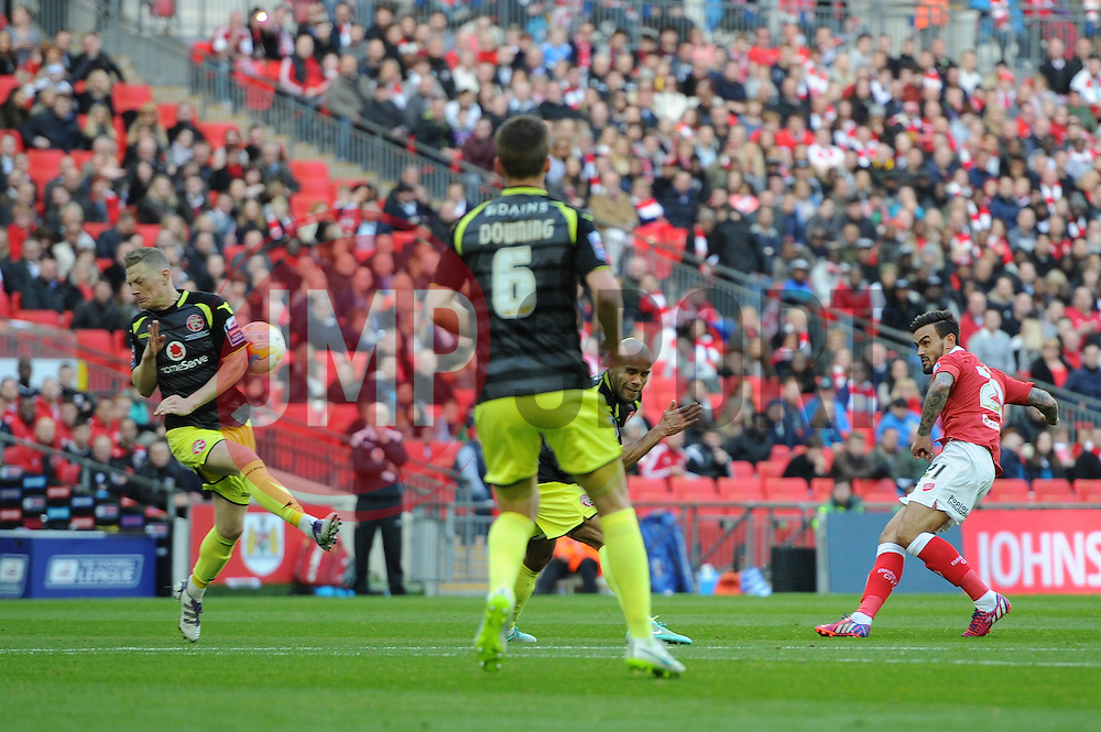 Bristol City's Marlon Pack takes a shot at goal. - Photo mandatory by-line: Dougie Allward/JMP - Mobile: 07966 386802 - 22/03/2015 - SPORT - Football - London - Wembley Stadium - Bristol City v Walsall - Johnstone Paint Trophy Final