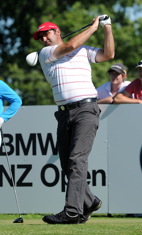 New Zealand's Mahal Pearce tees off on the 18th in the first round of the BMW New Zealand Golf Open, Clearwater, Christchurch, New Zealand, Thursday, December 01, 2011. Credit:SNPA / Ross Setford