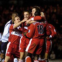 Fotball<br /> Premier League England 2004/2005<br /> Foto: SBI/Digitalsport<br /> NORWAY ONLY<br /> <br /> Middlesbrough v Manchester City<br /> Barcalys Premiership. 06/12/2004.<br /> <br /> Middlesbrough rush in to congratulate goalscorer Mark Viduka (R).