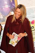 """Prinses Máxima opent Week van het geld<br /> <br /> Hare Koninklijke Hoogheid Prinses Máxima der Nederlanden geeft in aanwezigheid van circa 200 kinderen het startsein voor de 'Week van het geld' op het Frederiksplein te Amsterdam. Tijdens de Week van het geld staat omgaan met geld centraal. Het programma is voor kinderen van 4 tot 12 jaar.<br /> <br /> Her Royal Highness Princess Máxima of the Netherlands will in the presence of approximately 200 children launch the """"Week of money"""" on the Frederiksplein in Amsterdam. During the week of the money is money management the center. The program is for children from 4 to 12 years.<br />  Op de foto / On the photo : Prinses Maxima / Princess Maxima"""