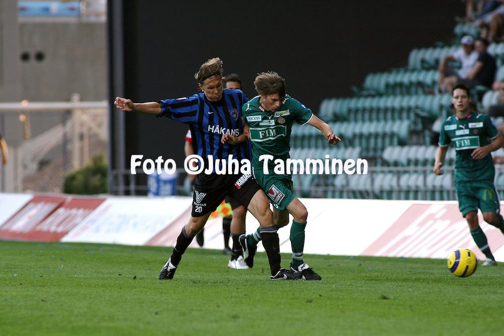 10.08.2006, Veritas Stadion, Turku, Finland..Veikkausliiga 2006 - Finnish League 2006.FC Inter Turku - FC TPS Turku.Ari Nyman (Inter) v Kasper H?m?l?inen (TPS).©Juha Tamminen.....ARK:k
