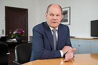 25 JUN 2018, BERLIN/GERMANY:<br /> Olaf Scholz, SPD, Bundesfinanzminister, waehrend einem Interview, in seinem Buero, Bundesministerium der Finanzen<br /> IMAGE: 20180625-02-015<br /> KEYWORDS: B&uuml;ro
