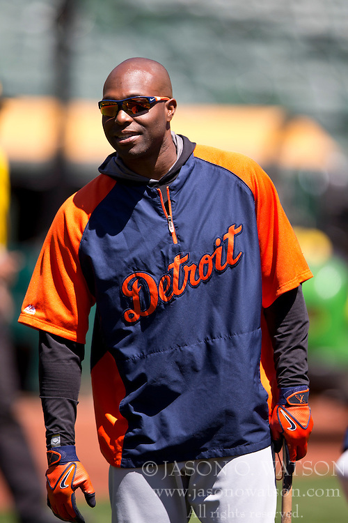 OAKLAND, CA - MAY 26:  Torii Hunter #48 of the Detroit Tigers looks on during batting practice before the game against the Oakland Athletics at O.co Coliseum on May 26, 2014 in Oakland, California. The Oakland Athletics defeated the Detroit Tigers 10-0.  (Photo by Jason O. Watson/Getty Images) *** Local Caption *** Torii Hunter