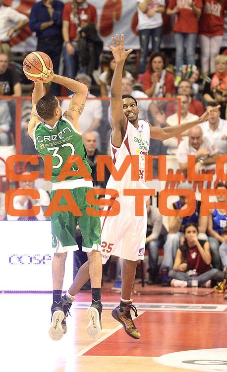 DESCRIZIONE : Pistoia Lega serie A 2013/14 Giorgio Tesi Group Pistoia Montepaschi Siena<br /> GIOCATORE : Erick Green<br /> CATEGORIA : controcampo tiro tre punti<br /> SQUADRA : Giorgio Tesi Group Pistoia Montepaschi Siena<br /> EVENTO : Campionato Lega Serie A 2013-2014<br /> GARA : Giorgio Tesi Group Pistoia Montepaschi Siena<br /> DATA : 16/03/2013<br /> SPORT : Pallacanestro<br /> AUTORE : Agenzia Ciamillo-Castoria/M.Greco<br /> Galleria : Lega Seria A 2013-2014<br /> Fotonotizia : Pistoia Lega serie A 2013/14 Giorgio Tesi Group Pistoia Montepaschi Siena<br /> Predefinita :
