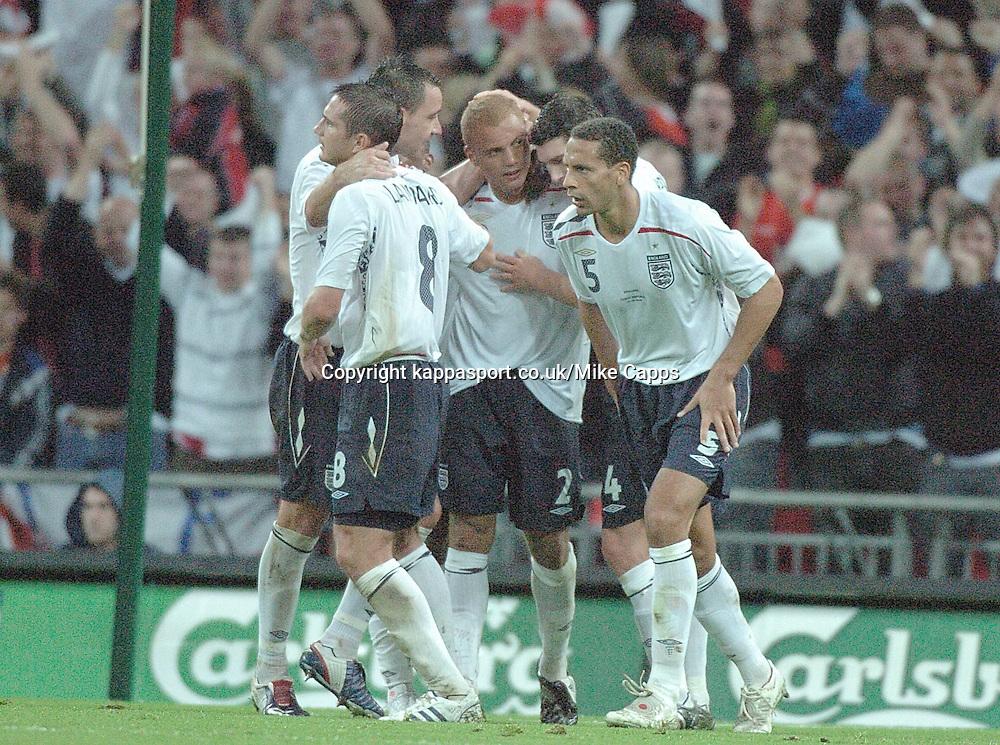 ENGLAND TEAM MATES  CELEBRATE WITH GOAL SCORER WES BROWN AFTER SCORING ENGLANDS EQUALISER, ENGLAND v CZECH REPUBLIC, International Friendly, Wembley Stadium Wednesday 20th August 2008