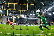 ARNHEM, Vitesse - FC Twente, voetbal, Eredivisie seizoen 2015-2016, 18-12-2015, Stadion De Gelredome, FC Twente speler Hakim Ziyech (L) scoort de 2-1, Vitesse keeper Eloy Room (R) is kansloos, Vitesse speler Kelvin Leerdam (2L).