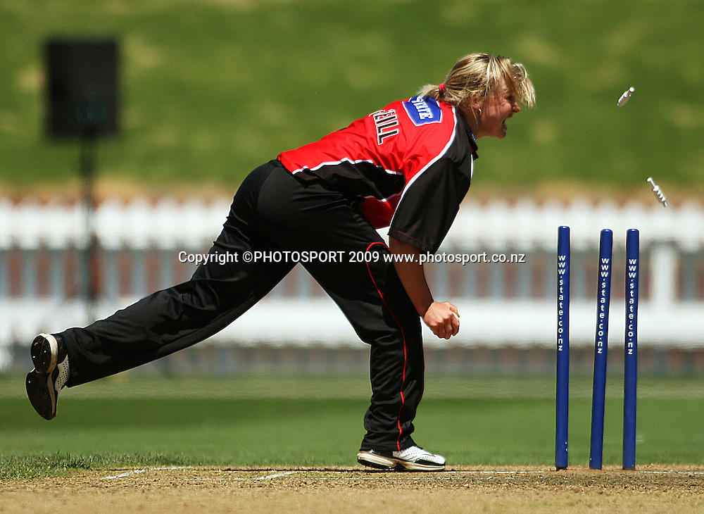 Canterbury bowler Beth McNeill appeals for a run-out on Anna Dodd.<br /> State League final. Wellington Blaze v Canterbury Magicians at Allied Prime Basin Reserve, Wellington. Saturday, 24 January 2009. Photo: Dave Lintott/PHOTOSPORT