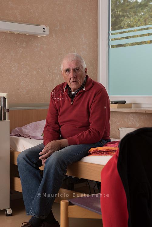 Dieter ist froh. Hier in der<br /> KRANKEN STUBE<br /> für Obdachlose kann er<br /> sich erholen. Erst mal.