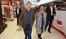Auckland-National's Bill English campaigns West Auckland Mall