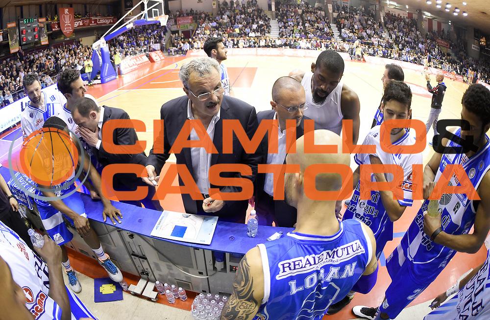 DESCRIZIONE : Reggio Emilia Campionato Lega A 2014-15 Grissin Bon Reggio Emilia Dinamo Banco di Sardegna Sassari<br /> GIOCATORE : Romeo Sacchetti<br /> CATEGORIA : Allenatore Coach Time Out<br /> SQUADRA : Dinamo Banco di Sardegna Sassari<br /> EVENTO : Campionato Lega A 2014-15<br /> GARA : Grissin Bon Reggio Emilia Dinamo Banco di Sardegna Sassari<br /> DATA : 12/04/2015<br /> SPORT : Pallacanestro <br /> AUTORE : Agenzia Ciamillo-Castoria/A.Giberti<br /> Galleria : Campionato Lega A 2014-15  <br /> Fotonotizia : Reggio Emilia Campionato Lega A 2014-15 Grissin Bon Reggio Emilia Dinamo Banco di Sardegna Sassari<br /> Predefinita :