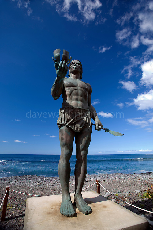 Statue of Hautacuperche, Guanche King, La Puntilla, Valle Gran Rey. Hautacuperche was a guanche warrior who led an uprising against the Spanish in 1488.