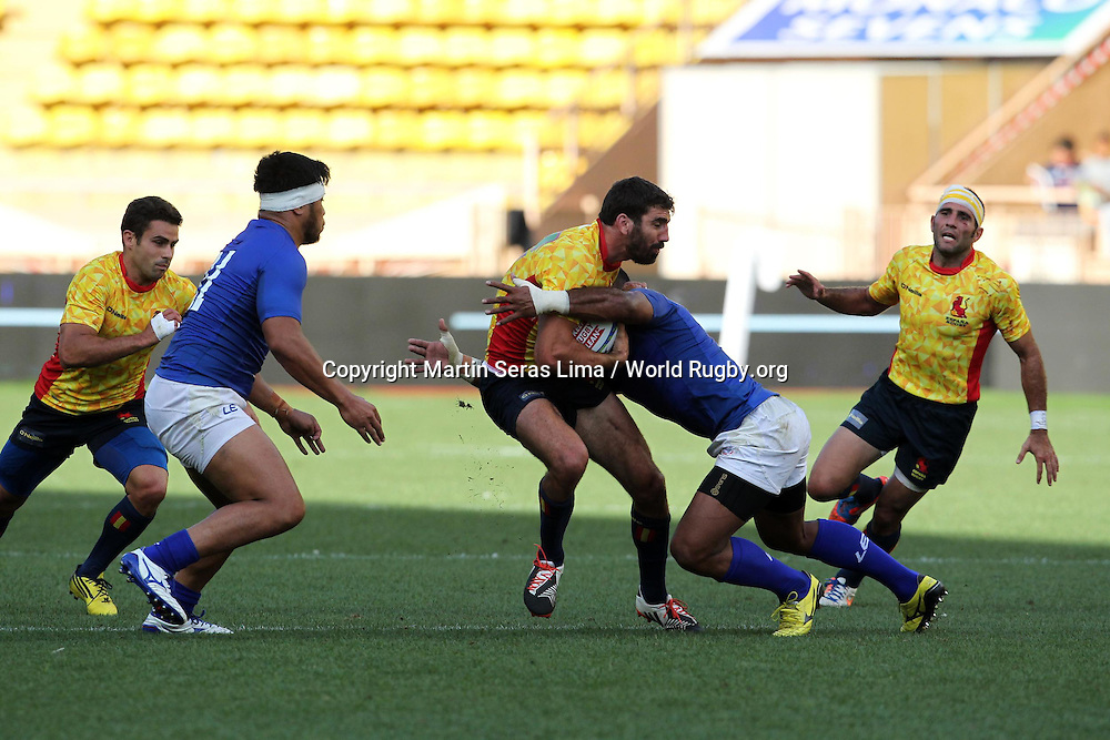 Spain on the attack against Samoa in the Championship Cup final, Final Cup for Rio Espana 22 v 19 Samoa, Second day at World Rugby Monaco Sevens 2016 at Stade Louis II, Monaco - Photo Martin Seras Lima